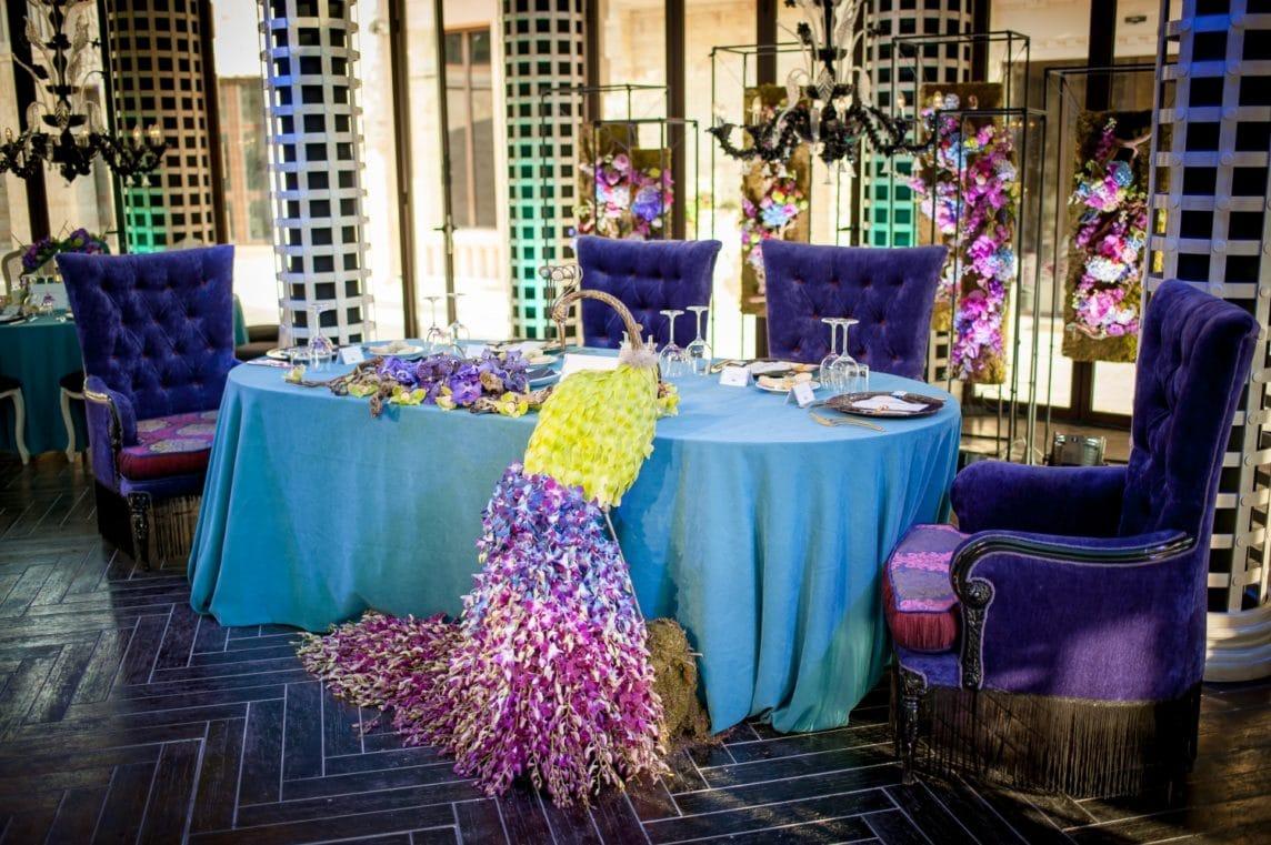 Сватбена декорация – Паун от орхидеи